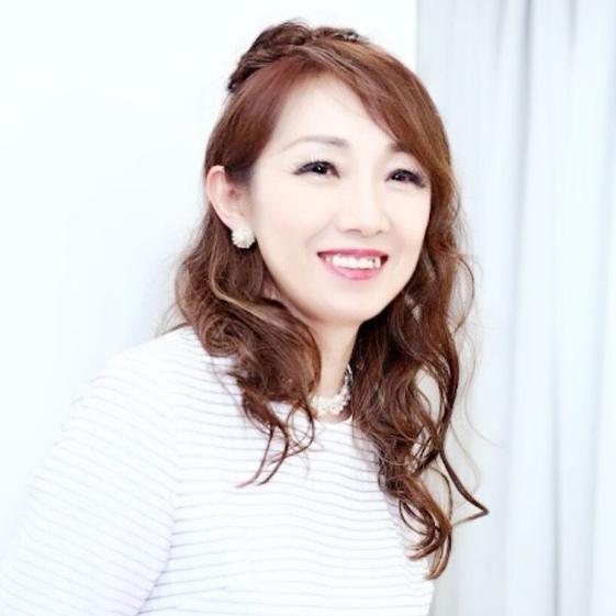 いい笑顔!美しすぎるミセスモデル桜庭亜紀