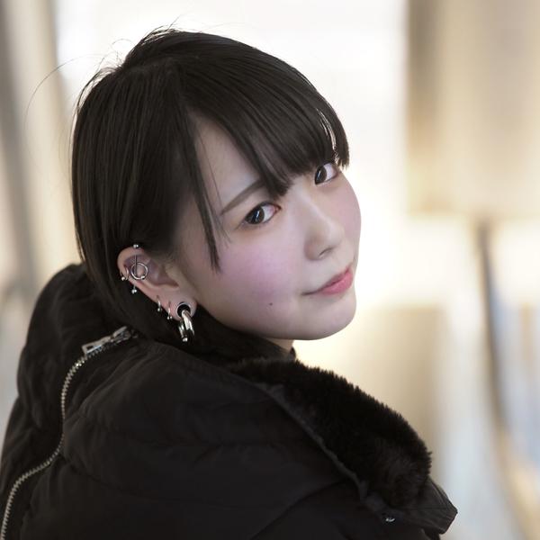 好奇心の塊18歳。尼崎の絵描きモデル hamu(はむ)