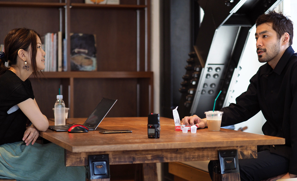 記事執筆・インタビュー:ジロリアン陸さん(プロボクサー・マジシャン) | TintRoom ティントルーム